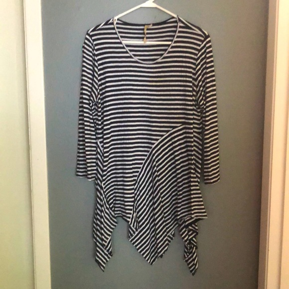 Comfy USA 3/4 sleeve white and navy stripped shirt